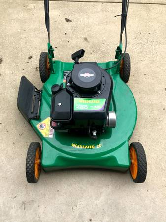 Photo Briggs  Stratton Weed Eater 450 Push Lawn Mower - $120