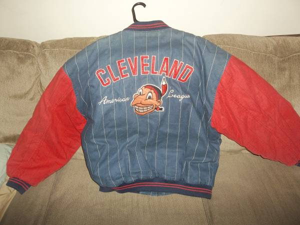 Photo CLEVELAND INDIANS WINTER JACKET OLD SCHOOL CHIEF WAHOO  XXL - $70 (Parma)
