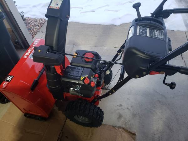 Photo Craftsman Snow Blower - $600 (Strongsville)