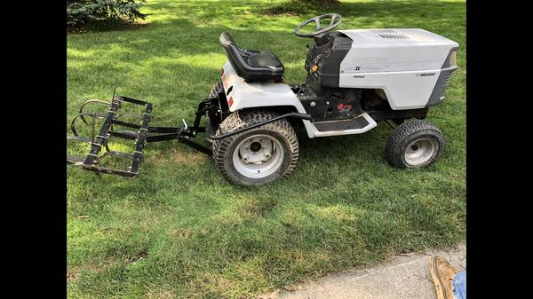 Photo Craftsman garden tractor - $850 (Broadview Hts)