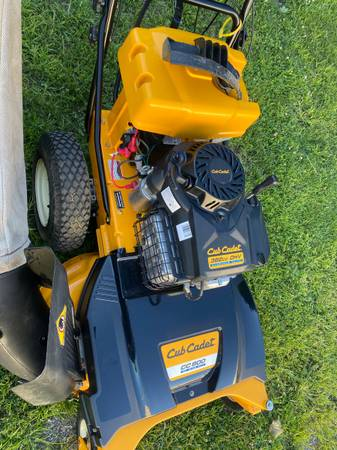 Photo Cub Cadet 333939 walk behind mower, like new (North Ridgeville Ohio)