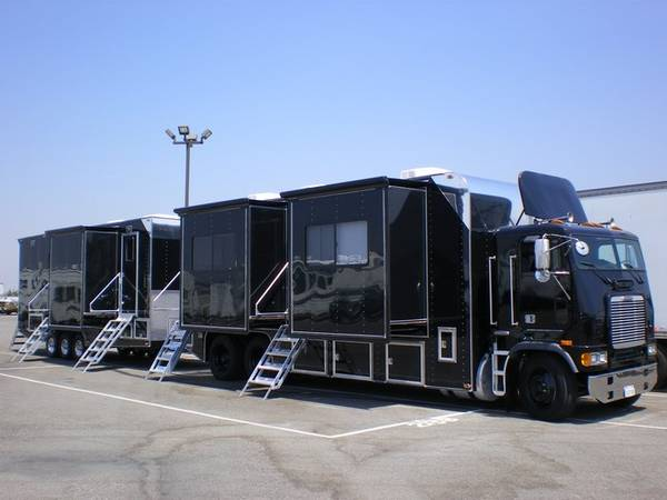 Photo Custom Built Production motorhome and trailer for sale - $109,000 (Cleveland)