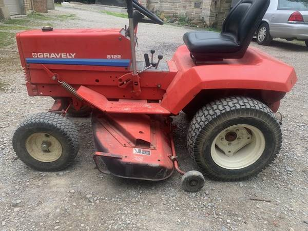 Photo Gravely Yard Tractor - $1,500 (Brecksville)