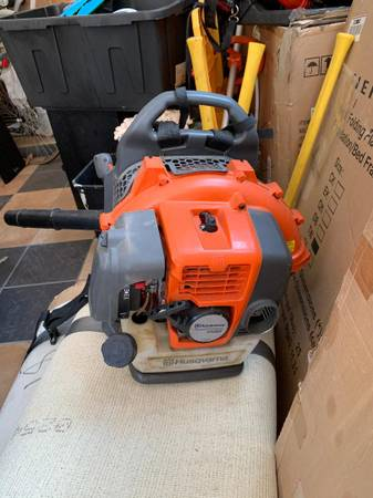 Photo Husqvarna Backpack blower 350 BT - $275 (Granger)