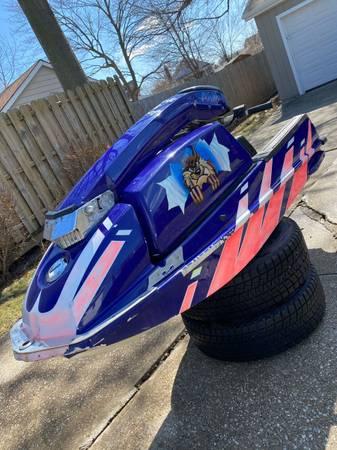 Photo Kawasaki 550 stand up jet ski - $1000 (Wickliffe)
