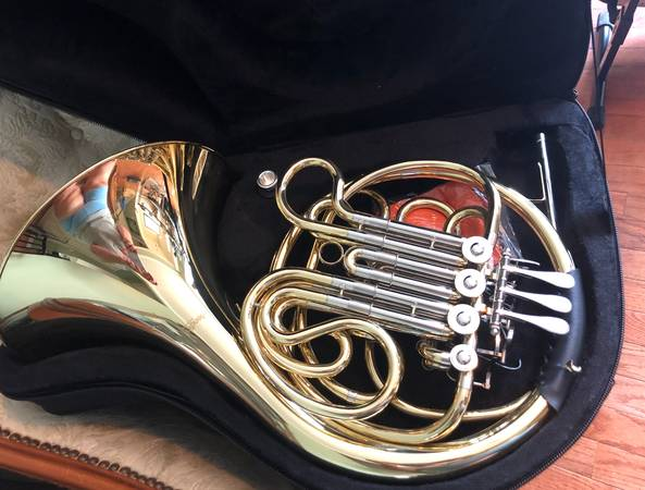 Photo Mendini Double French Horn BFF - $400 (North Ridgeville)