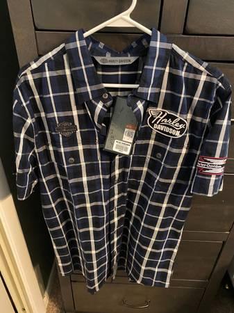 Photo Mens Harley Davidson shirt - $35 (Berea)