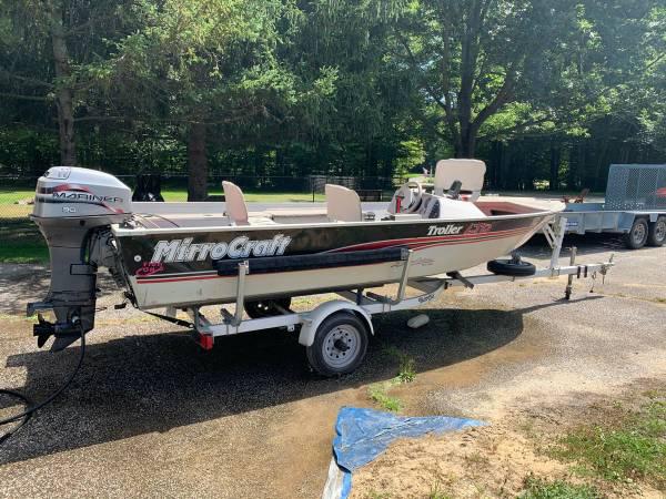 Photo MirroCraft 16 Foot Aluminum Boat - Get Fishing Today - $5,000