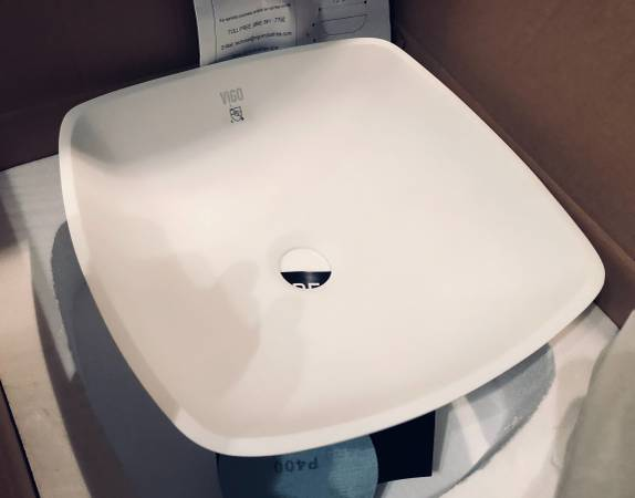 Photo NEW 14 in square bath vessel sink, white - $90 (Beachwood)