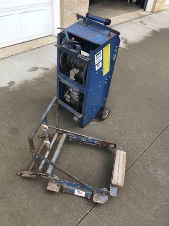 Photo RGC Pro Drive platform shingle hoist - $625 (Cleveland)