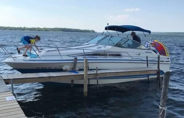 Photo Sea Ray 27 Sundancer Boat - $8,000 (Chagrin Falls)