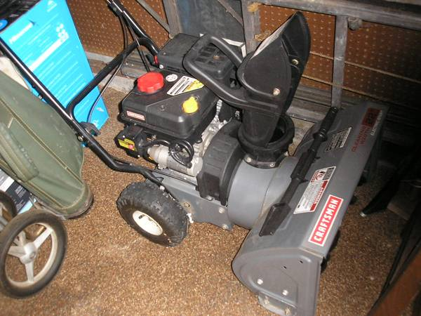 Photo Sears Craftsman Electric Start 22-Inch Snow Thrower - $225 (Lake County)