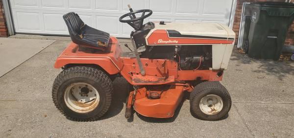 Photo Simplicity 7112 Garden Tractor - $300 (North Royalton)