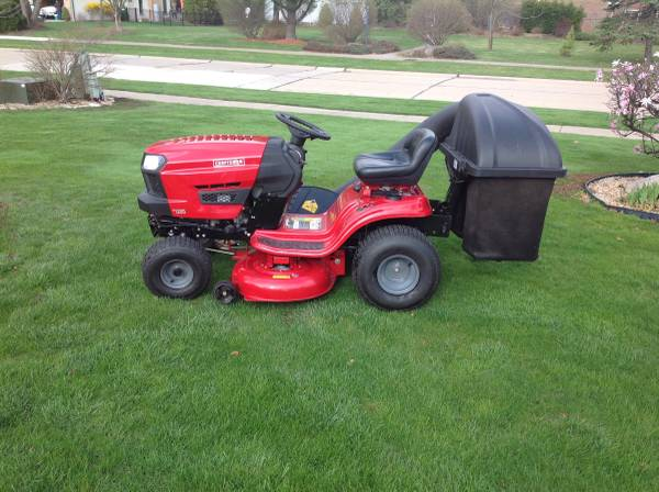 Photo Special Easter price 42quot craftsman tractor - $1175 (Independence)