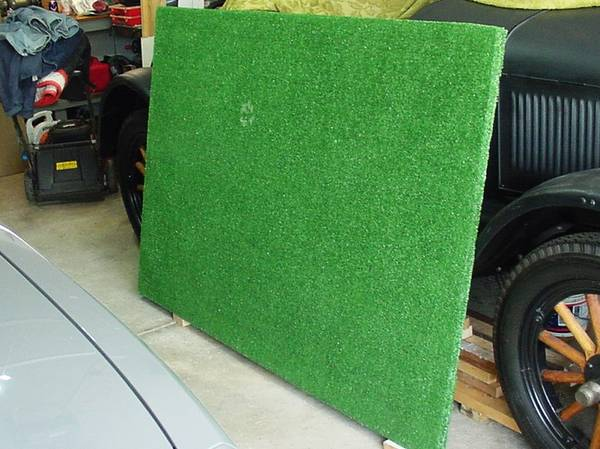 Photo TRAIN SET  HOBBY TABLE TOP FAUX GREEN GRASS COVER 639 x 439 BEST OFFER - $45 (North Olmsted)