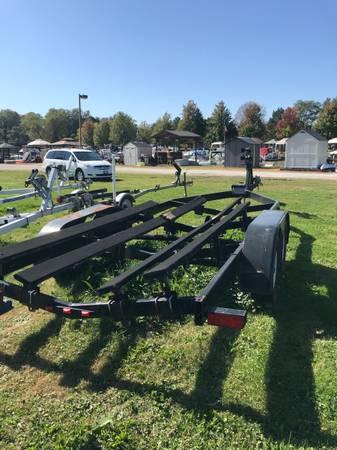 Photo Tandem axle Boat Trailer - $2,500 (Fairport)