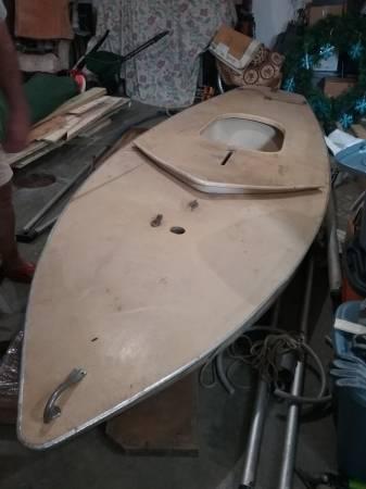 Photo Vintage 14 foot sunfish - $400 (Strongsville)