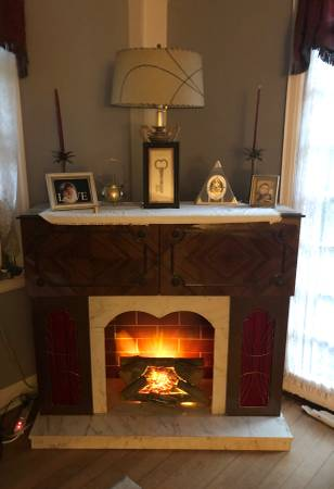 Photo Vintage German Console Stereo, Bar, Fireplace - $425 (Richmond Heights)