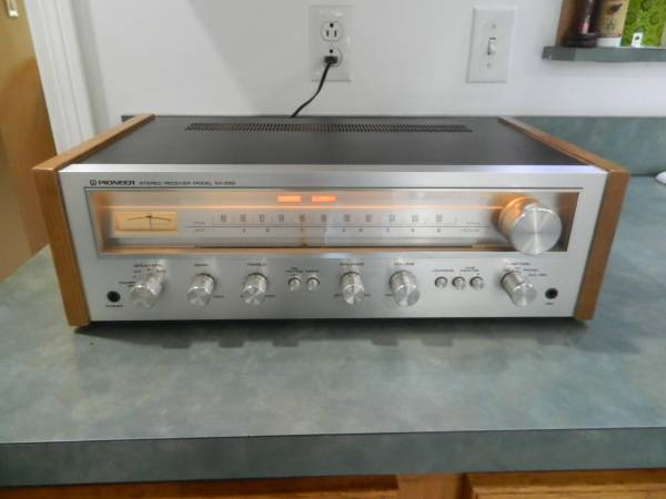 Photo Vintage Pioneer SX-550 Receiver Stereo - $220 (Macedonia)