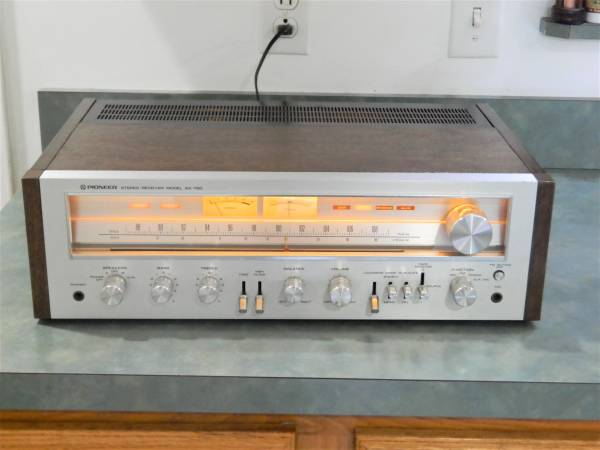 Photo Vintage Pioneer SX-750 Receiver Stereo - $400 (Macedonia)