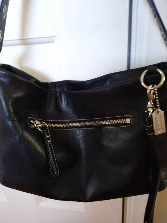 Photo Authentic COACH Purse  Handbag - Great Gift  - $75 (Bay Village)