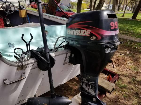 Photo boat and 9.9 motor - $3,200 (Madison)