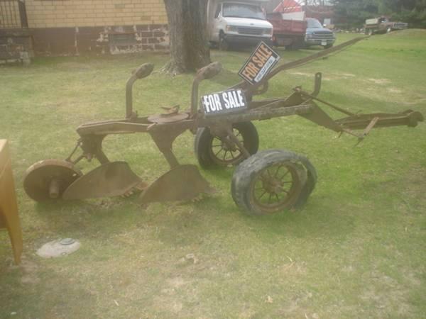 Photo john deere 2 bottom plow, two bottom plow, antique plow - $400 (oberlin)