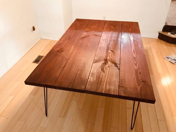 Photo rustic dining table - $350 (Sheffield Lake)