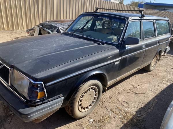 Photo 1986 240 volvo wagon - $900 (Abq)