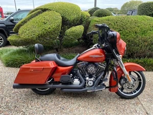 Photo 2011 Harley-Davidson Street Glide 103 - $13,981 (Harley-Davidson Street Glide 103)
