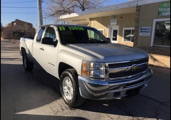 Photo 2013 Chevy Silverado Z71 4x4 105k miles - $15,950 (Albuquerque)