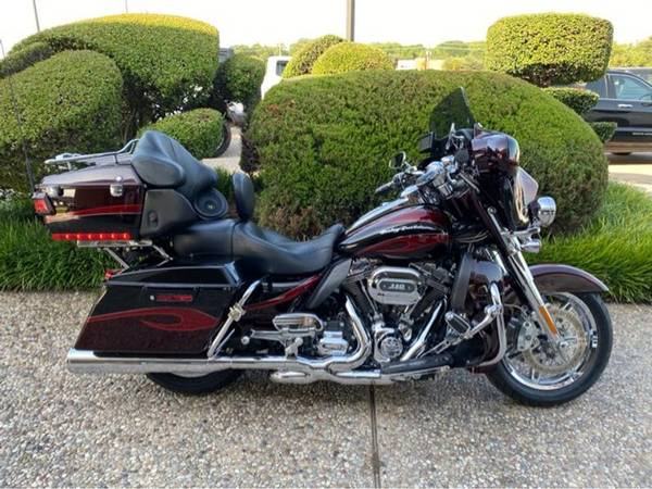 Photo 2013 Harley-Davidson CVO Ultra Classic Electra Glide - $17,884 (Harley-Davidson CVO Ultra Classic Electra Glide)