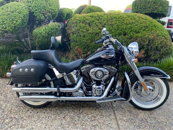 Photo 2015 Harley-Davidson Softail Deluxe - $17,752 (Harley-Davidson Softail Deluxe)