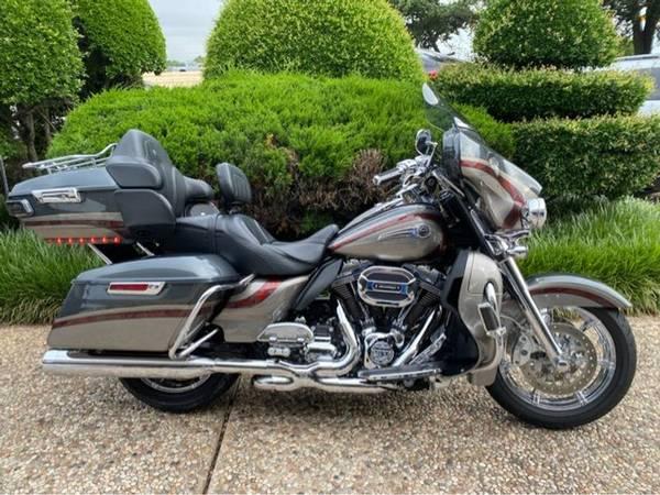 Photo 2016 Harley-Davidson CVO ULTRA  Limited FLHTKSE - $26,982 (Harley-Davidson CVO ULTRA Limited)