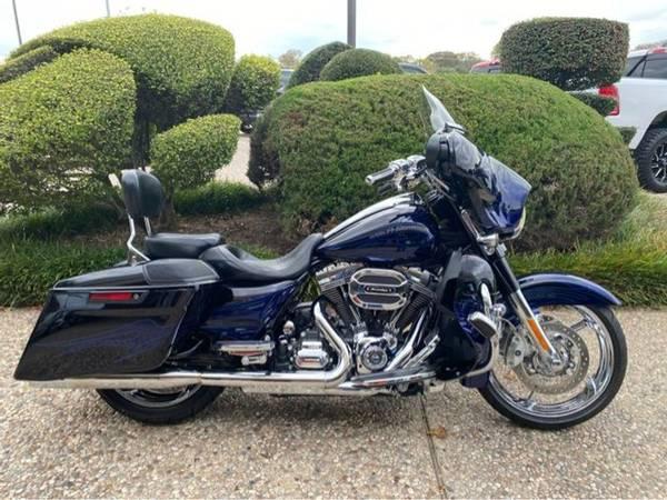 Photo 2016 Harley-Davidson FLHXSE CVO Street Glide - $26,981 (Harley-Davidson FLHXSE CVO Street Glide)