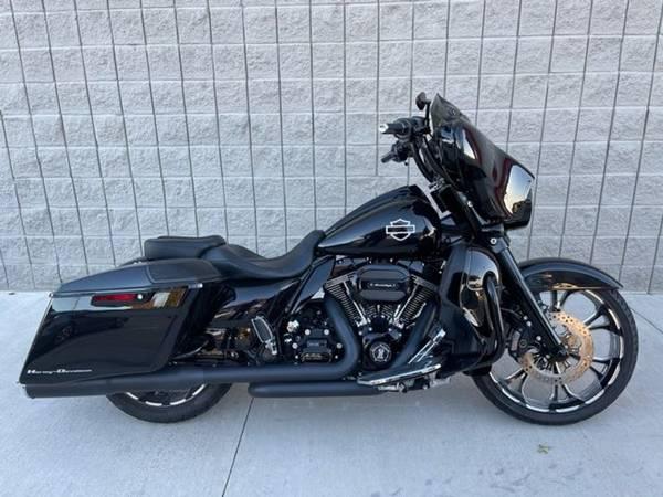 Photo 2016 Harley-Davidson Street Glide CVO - $26,981 (Harley-Davidson Street Glide CVO)