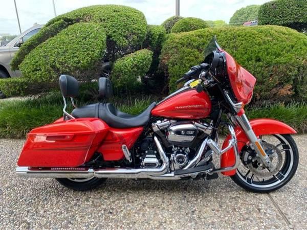 Photo 2017 Harley-Davidson FLHXS Street Glide Special - $23,983 (Harley-Davidson FLHXS Street Glide Special)