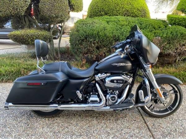 Photo 2017 Harley-Davidson Street Glide - $17,993 (Harley-Davidson Street Glide)