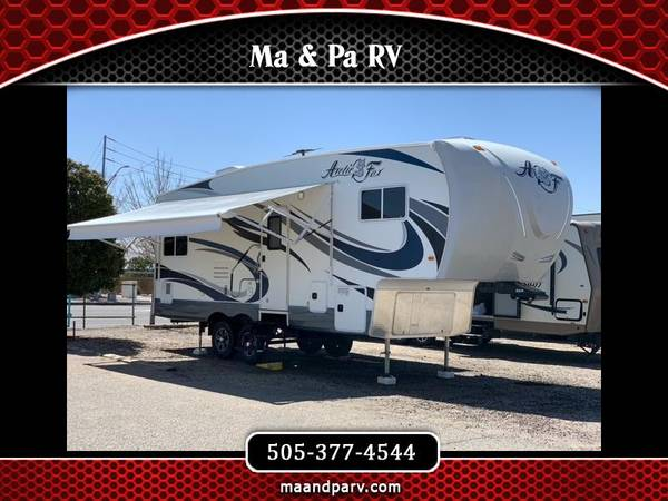 Photo 2017 Northwood Manufacturing Arctic Fox 27-5L 1 Owner 29 Foot 2 Slid - $41,000 (9609 Central ave ne)