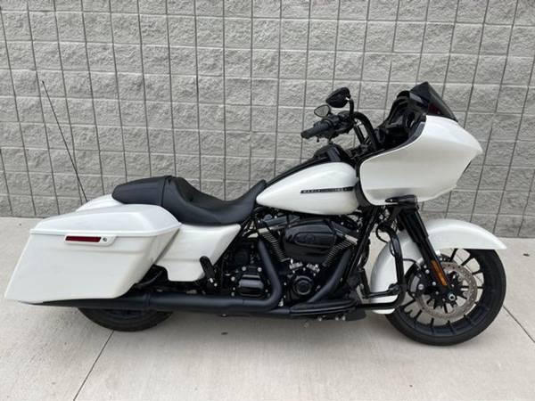 Photo 2018 Harley-Davidson FLTRXS Road Glide Special - $27,991 (Harley-Davidson FLTRXS Road Glide Special)