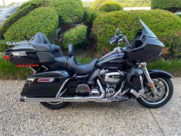 Photo 2019 Harley-Davidson FLTRU Road Glide Ultra 114 - $27,952 (Harley-Davidson FLTRU Road Glide Ultra 114)