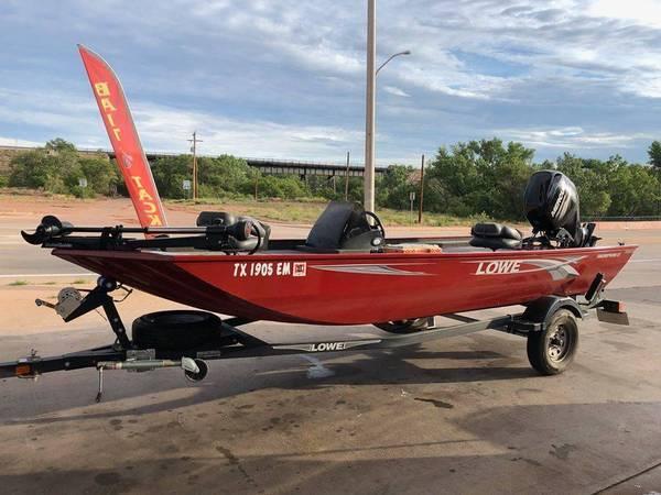 Photo 2019 Lowe Skorpion 17 foot bass boat - $16,950 (Amarillo Belmar)