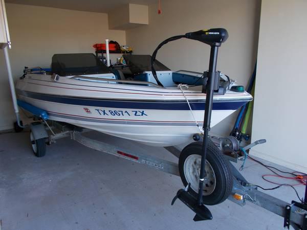 Photo Bayliner Capri - $3,500 (Lubbock)