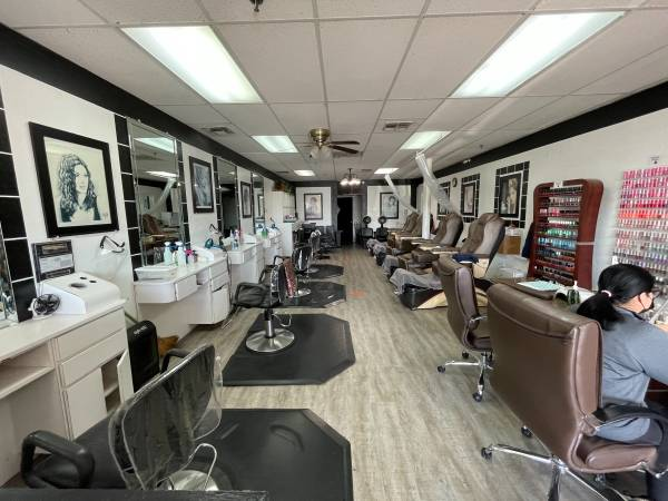 Photo Beauty Cut Hair  Nail salon  - $40,000 (Clovis)