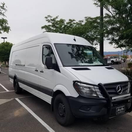 Photo Custom RV Mercedes-Benz - $38,999 (Albuquerque)