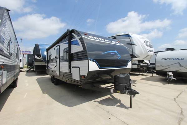 Photo HAIL SALE ON TRAVEL TRAILERS (CALL BRENT 214-471-0423)