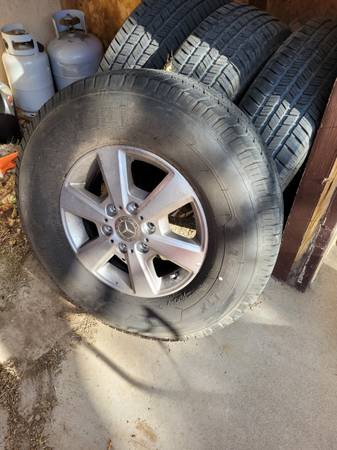 Photo Mercedes sprinter alloy Wheels with tires - $1,500 (Albuquerque)