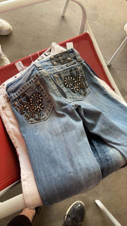 Photo Miss Me Jeans - $20 (Clovis)