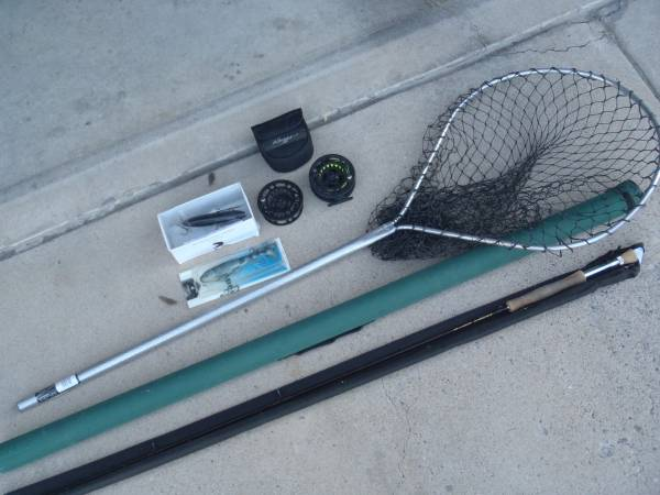 Photo Muskie, Pike, Bass fly fishing gear and lures - $100 (ABQ - NE Heights)