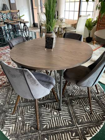 Photo New and Gently Used Furniture and over 50 New Rugs (from $79) - $79 (6855 4th Street NW)